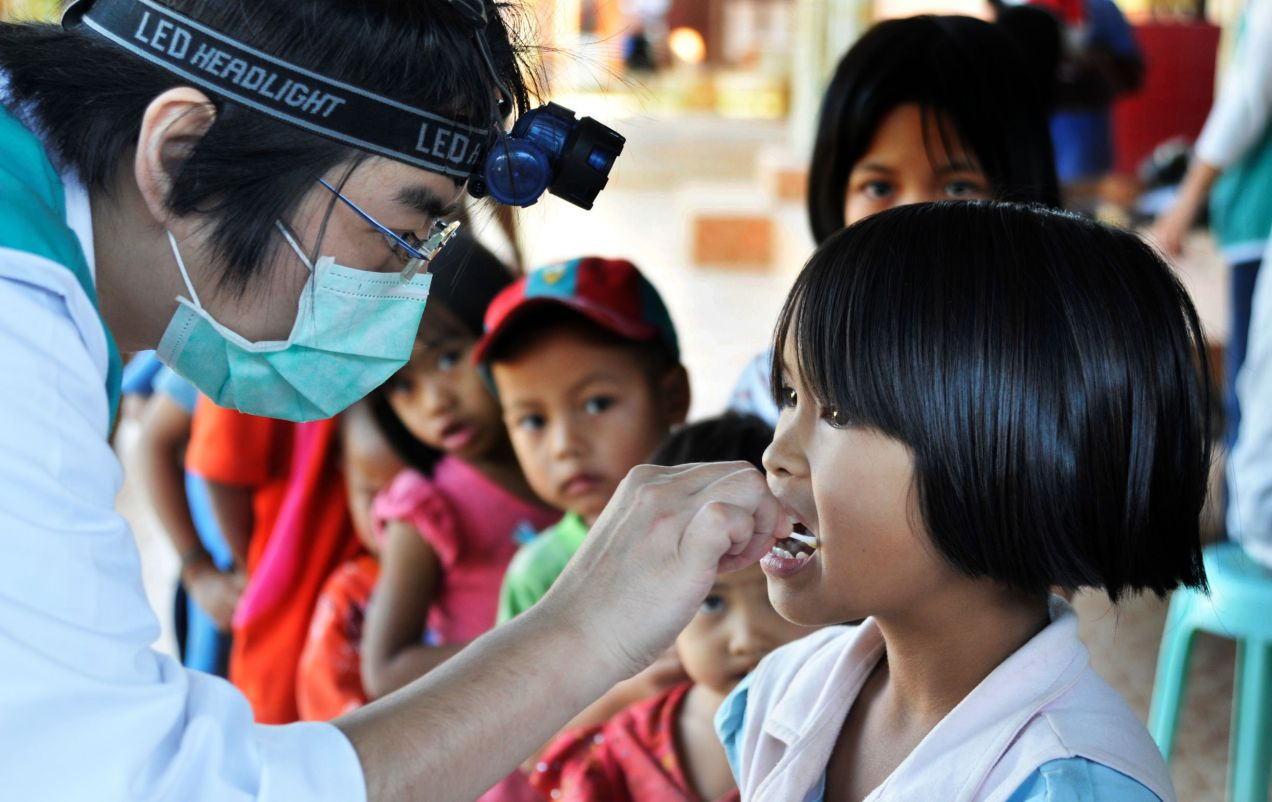 Affordable Universal Health Coverage ─ Taiwan can help --- Thailand   Chen Yu Fang, Medical Laboratory Scientist, Mackay Memorial Hospital   Leave No One Behind