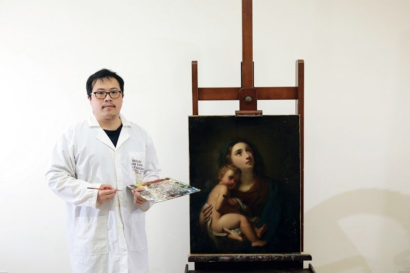 Emergency Care for Ailing Art Oil Painting Conservator ──  Lai Chih Hao Photos - New Southbound Policy