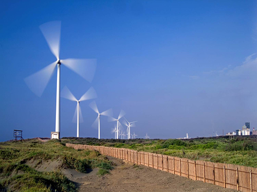 Solar, wind power generation hits new high in Taiwan