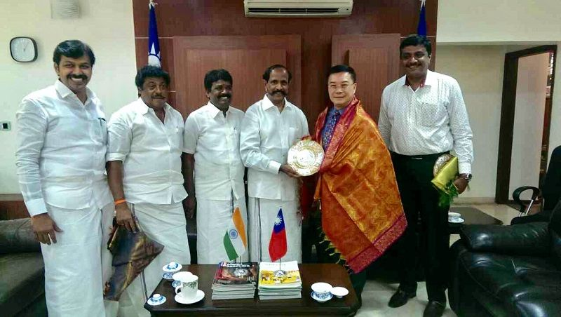 The delegation of MLAs from Tamil Nadu government called on Director-General Charles Li to express their gratitude for arranging their visit to Taiwan Photos - New Southbound Policy