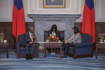 Tsai receives St. Lucia ambassador's credentials, vows to bolster bilateral ties