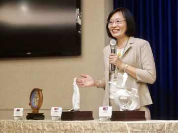 Office of the President showcases gifts for Tsai's state visit to Paraguay, Belize