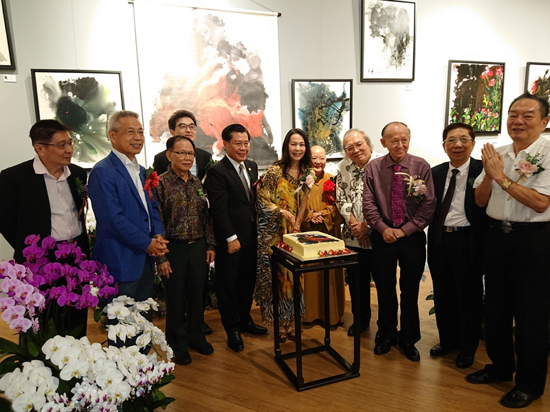 Representative Francis Kuo-Hsin Liang Attends Opening Ceremony of Art Exhibition by Christina Chen Photos - New Southbound Policy