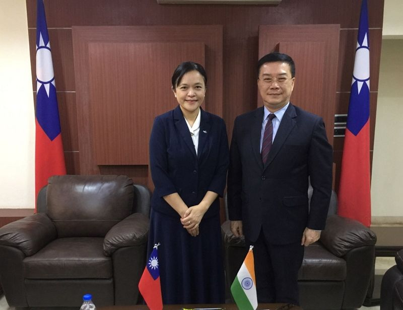 Professor Liu, Yi-chun, Vice President of Tzu Chi University and her delegation called on Director-General Charles Li of TECC in Chennai to exchange views on enhancing collaboration with well-established universities in south India Photos - New Southbound Policy