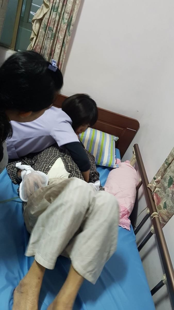 Taipei City Opens Migrant Caregiver Family Support Hotline Photos - New Southbound Policy