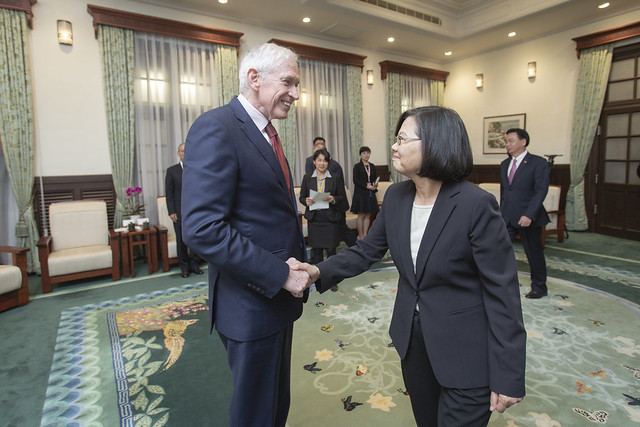 President Tsai meets American Institute in Taiwan Chairman James Moriarty Photos - New Southbound Policy
