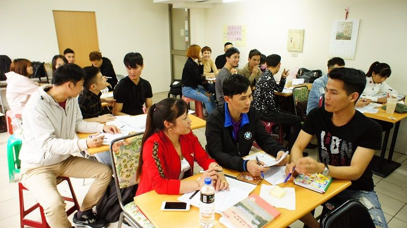 Taichung City Hall Launches Free Chinese Lessons for Vietnamese and Indonesian Migrant Workers on May 19 Photos - New Southbound Policy