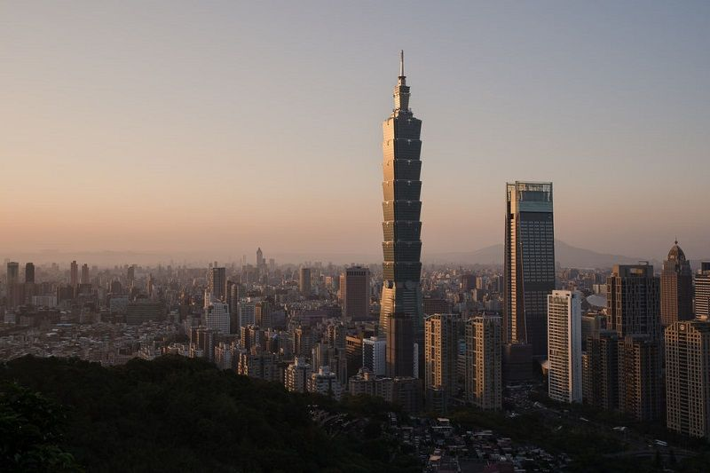 Taiwan climbs one spot to 16th in IMD global competitiveness report Photos - New Southbound Policy