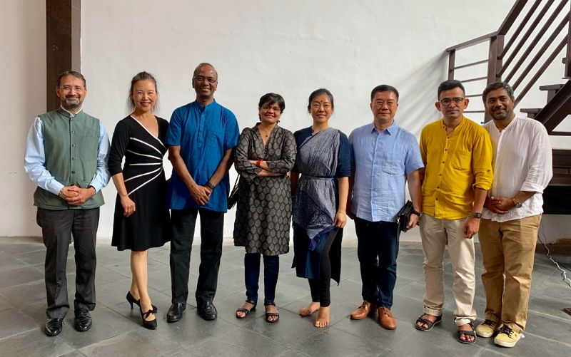 Mr. Charles Li, Director-General of TECC in Chennai and Mr. Sridharan Madhusudhanan, Director General of ITA participated in the Crossroads Art Exhibition by artists Mr. Ajoy Kumar and Miss Hsuan Chen Liu in Taipei on June 2, 2019 Photos - New Southbound Policy