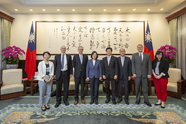 President Tsai meets US and Japanese political science scholars from Brookings Institution Photos - New Southbound Policy