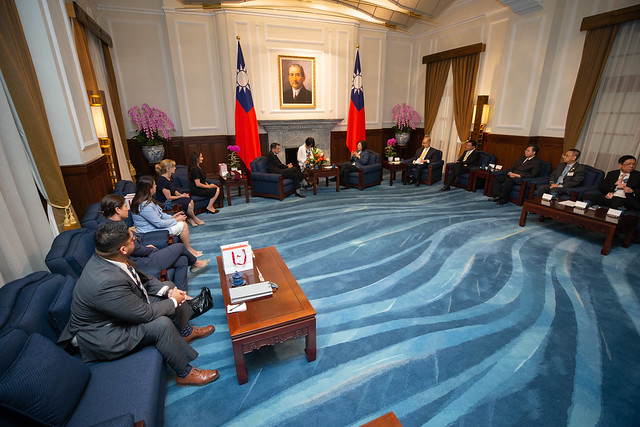 President Tsai meets Anthony Rendon, Speaker of California State Assembly Photos - New Southbound Policy
