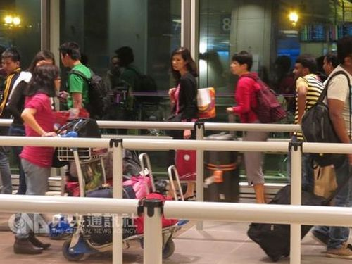 Taiwan relaxes visa-free treatment evaluation to every 3 years Photos - New Southbound Policy