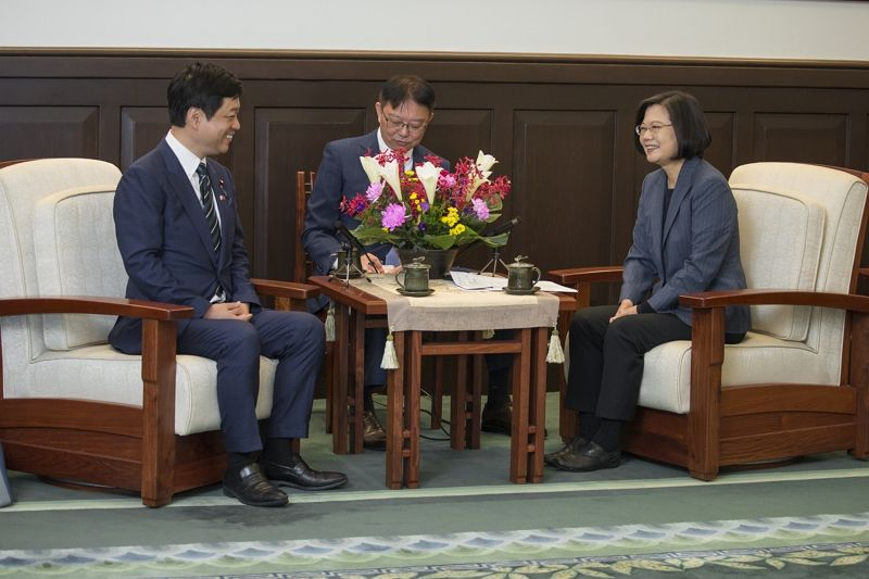 President Tsai meets a delegation led by Hiroyuki Onishi, LDP member of Japan's House of Representatives Photos - New Southbound Policy