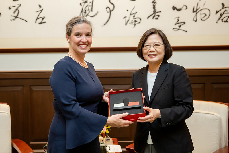 President Tsai meets delegation led by Ms. Sandra Oudkirk from the US Department of State Photos - New Southbound Policy