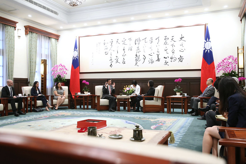 President Tsai meets delegation from US International Republican Institute Photos - New Southbound Policy