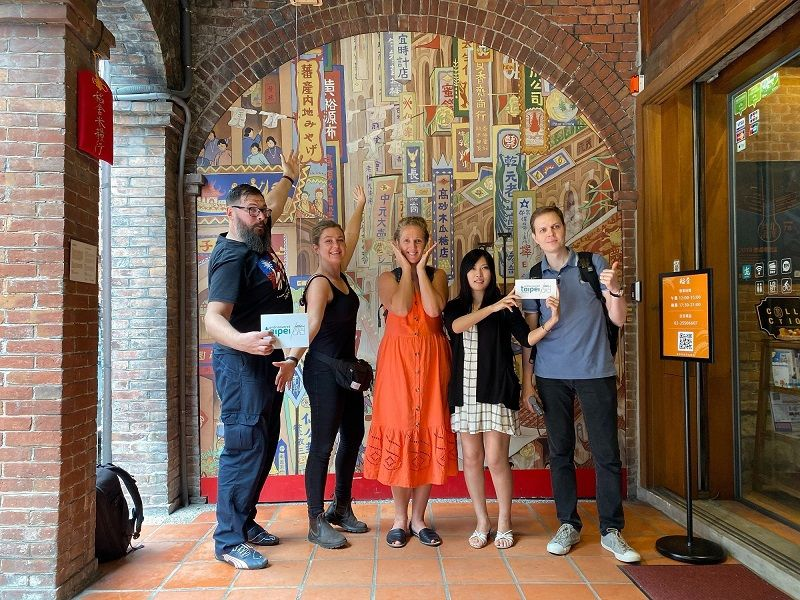 European Bloggers Visit Dadaocheng to See Historic Monuments, Sample Aromatic Tea Photos - New Southbound Policy