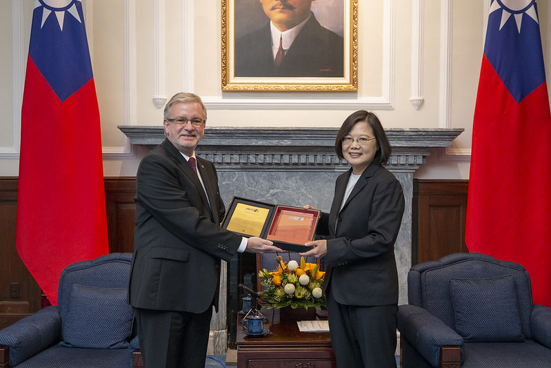 President Tsai meets delegation led by European Parliament-Taiwan Friendship Group Chair Michael Gahler Photos - New Southbound Policy