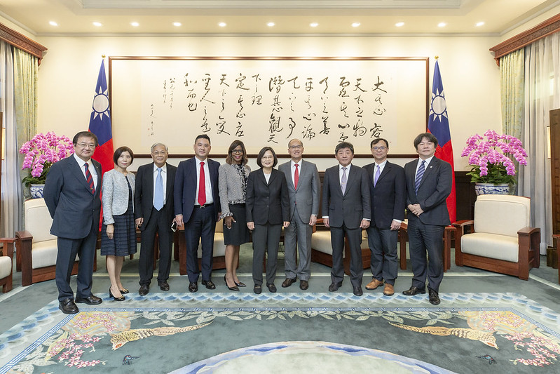 President Tsai meets American Medical Association President Dr. Patrice Harris   Photos - New Southbound Policy