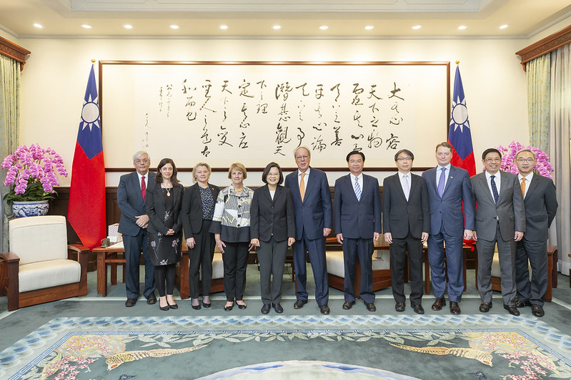 President Tsai meets delegation from National Committee on American Foreign Policy Photos - New Southbound Policy