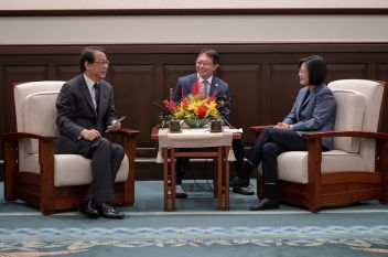 Tsai meets with Japan rep, reaffirms Taiwan's commitment to joining CPTPP