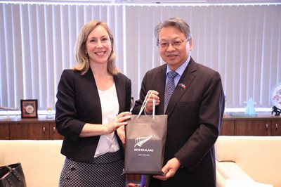 New Zealand Commerce and Industry Office Taipei Visits Taichung City Government – Deputy Mayor Linghu Hopes to Foster Further Intercity Exchanges Photos - New Southbound Policy
