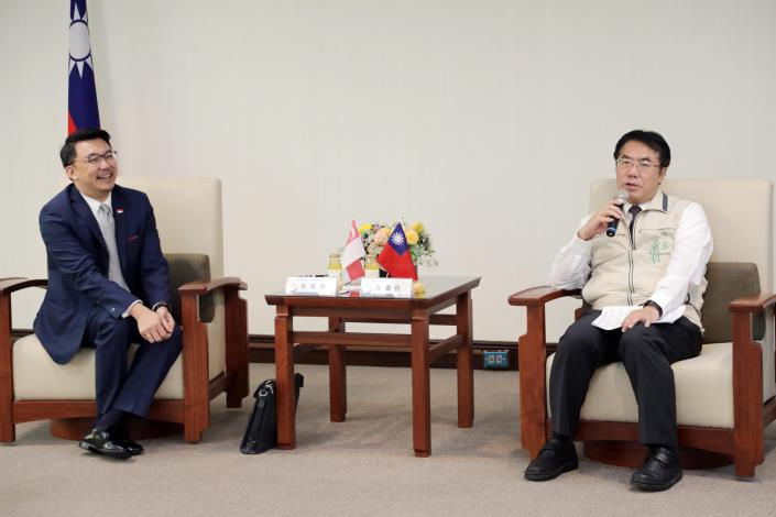 Representative of Singapore office visits Tainan City mayor for future cooperation Photos - New Southbound Policy