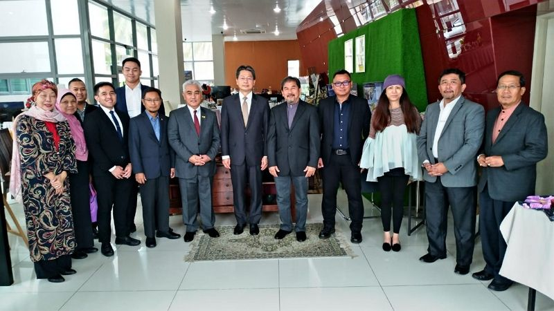 """Friendship from Taiwan"" —medical masks handover to Brunei Darussalam BIMP-EAGA Business Council (BD BEBC) Photos - New Southbound Policy"