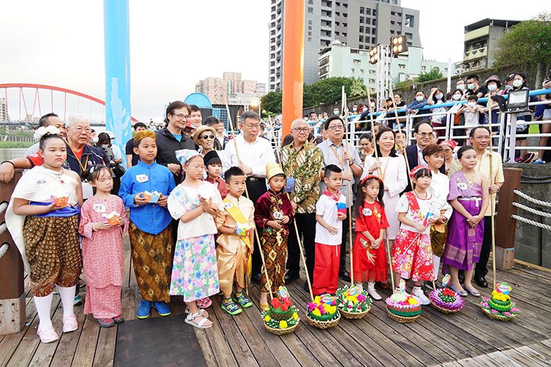 Mayor: Water Lantern Festival Promotes Cultural Exchange, Boosts Taipei's Profile Photos - New Southbound Policy