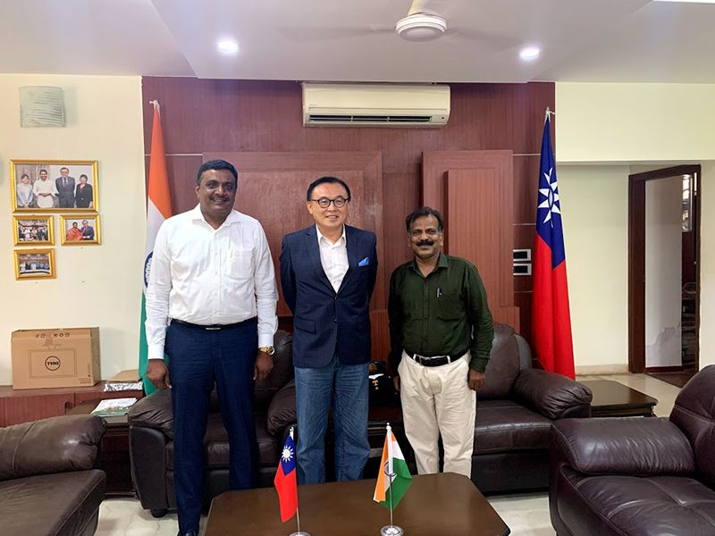 Professor Dr N. Parasuraman called on the Director-General of TECC Chennai, Mr Ben Wang, to seek agricultural cooperation Photos - New Southbound Policy