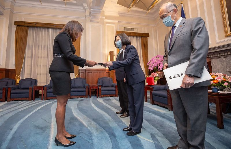 President Tsai accepts Belize ambassador's credentials, pledges to boost bilateral ties[open another page]