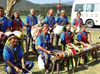 """The Lide Community band performs """"Song of Lide,"""" demonstrating the pure and  unaffected character of the people of this Aboriginal community.  (courtesy of Lishan Eco Company)"""