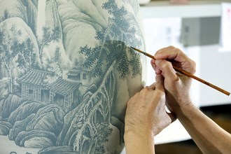 Colored porcelain isn't merely an extension of artworks painted on flat surfaces. Rather, it's a form of creative expression born from the interplay of glaze and heat.