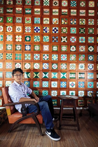 James Hsu dreams of revitalizing  Taiwan's decorative tile culture. (photo by Jimmy Lin)