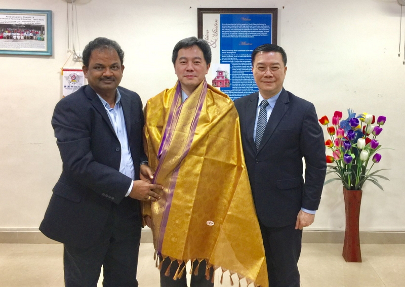 Director-General Charles Li of TECC in Chennai (Right),Professor N. Rajendran, Director, Centre for International Affairs, Anna University(Left),Professor Shih-Ho Wang, Dean of International & Cross-Strait Academic Exchange(center)
