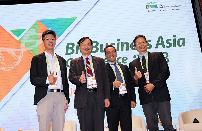 CEO of BioMed Taiwan, Dr. Fong-Chin Su (second from the left), at BBA's luncheon depicts the measures to promote Taiwan's biomedical industry, and cultivate Taiwan into an Asia-Pacific biomedical hub. (From left to right: IC Jan, Assistant Chief Executive of Biohub Taiwan of National Biotechnology Research Park; Fong-Chin Su, CEO of BioMed Taiwan and Deputy Minister of Ministry of Science and Technology; Manny Simons, CEO of Akouos, Inc.; Chii-Wann Lin, Vice President of ITRI and General Director of Biomedical Technology and Device Research Laboratories)