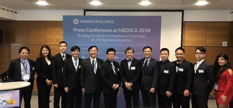 Fifth from left is Director General, Department of Life Sciences ,Woei-Jer Chuang; Sixth from left is Deputy Minister Dar-Bin Shieh