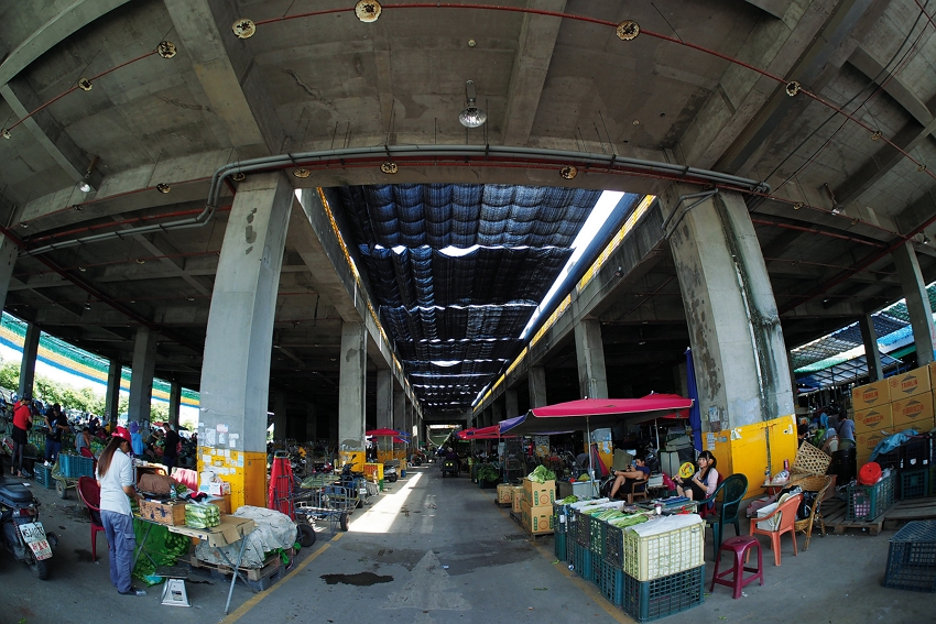 Xiluo fruit and vegetable market