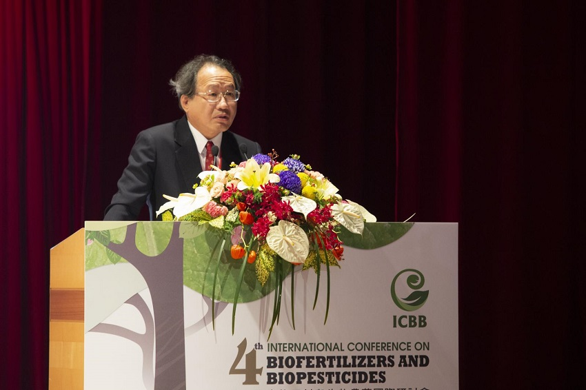 COA Deputy Minister Huang Chin-cheng opens the International Conference on Biofertilizers and Biopesticides Aug. 20 in Pingtung County, southern Taiwan. (Courtesy of COA)