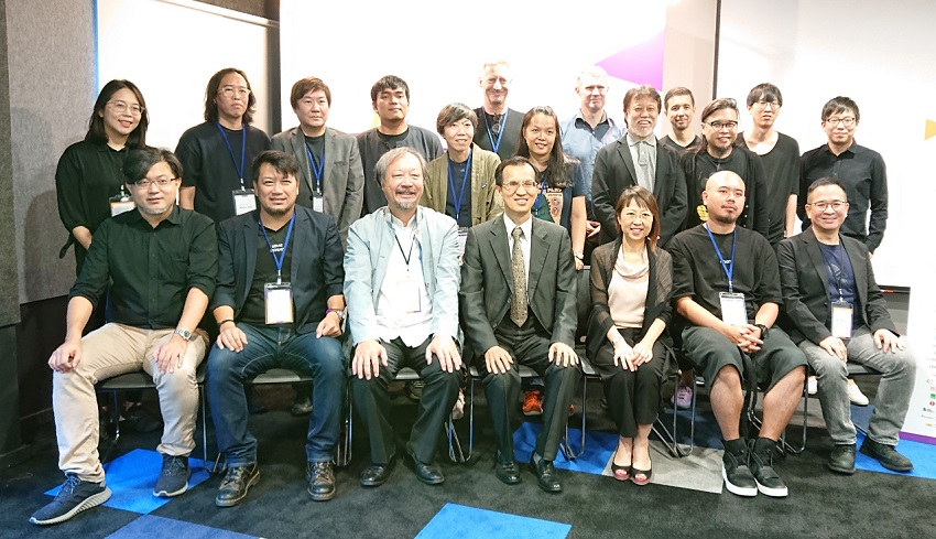 Deputy Representative Steven Tai (first row, center) with TISDC Project Director Apex Lin (first row, third from left), Design Business Chamber Singapore Vice President Chee Su Eing (first row, third from right) and judges from 6 countries at the Preliminary Screening of the Taiwan International Student Design Competition 2019.