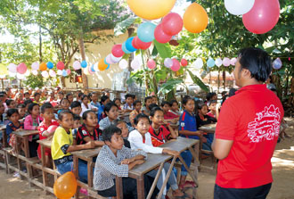 Dozens of students participate in a graduation ceremony during October 2018 at an education center in Siem Reap established by Taiwan Education and Employment Program—Culture and Education Association. (Photo courtesy of Taiwan Education and Employment Program—Culture and Education Association)
