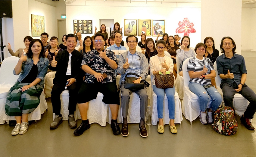The lecture session by Lin Bao-Ling and Liao Yu-An allowed for a lively exchange of ideas between the artists and the art enthusiasts.