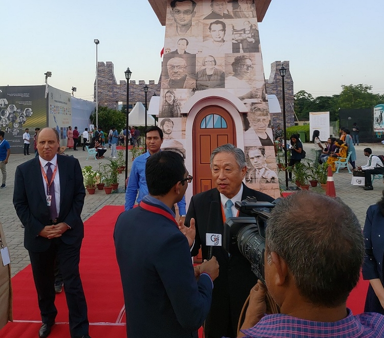 Amb. Tien interviewed by Indian media before the inauguration of 3rd Guwahati International Film Festival on Oct. 31, 2019.
