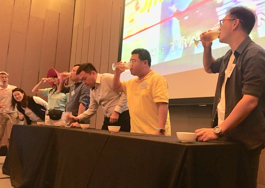 Beer drinking competition was a highlight at the Taipei Business Association's Year-End Banquet cum Networking Session.