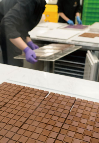 A new batch of Fu Wan chocolates is ready to be packaged. (Photo by Chin Hung-hao)