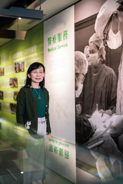 CCH Overseas Medical Mission Center director Kao Hsiau-ling spells out CHH's smart healthcare advantages, burnishing Taiwan healthcare's credentials. (photo by Lin Hsuan-min)