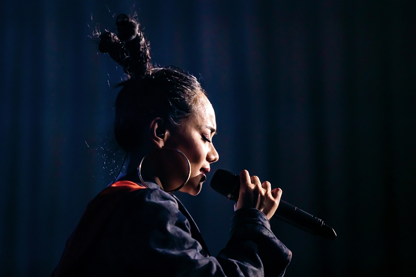 """In her song """"Kinakaian,"""" Abao sings """"The language we speak flows naturally / How beautiful it sounds."""" Listeners will surely feel the joie de vivre she expresses in song. (photo by Lin Min-hsuan)"""