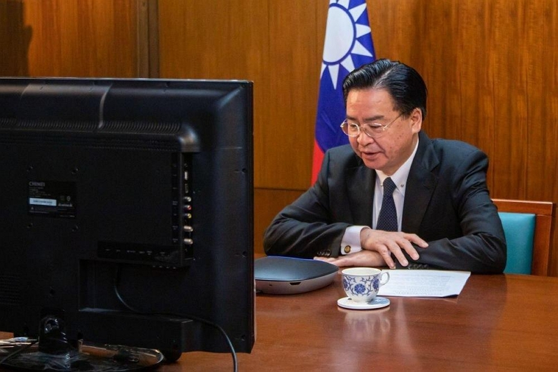 Foreign Minister Jaushieh Joseph Wu fields questions during an exclusive Fox News interview broadcast May 12 worldwide. (MOFA)
