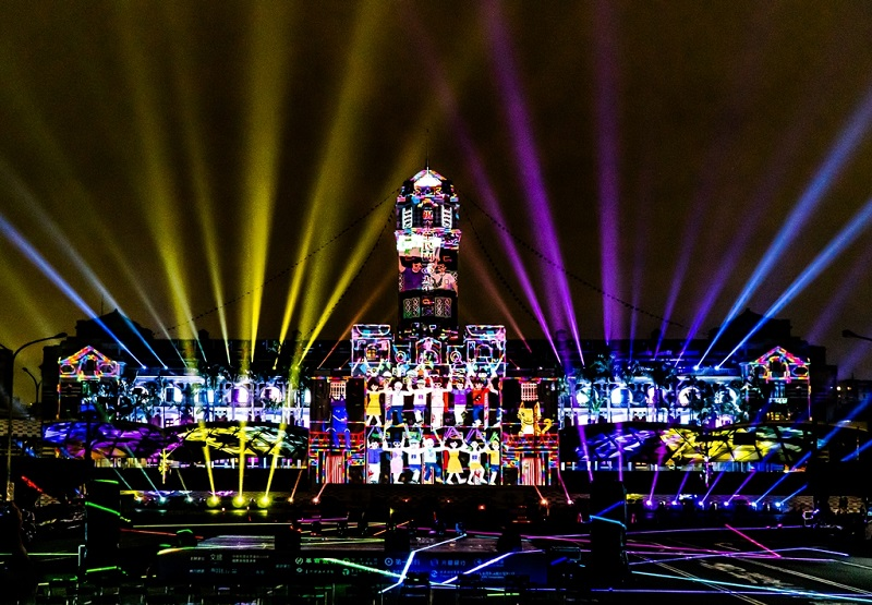 A projection mapping show in celebration of ROC (Taiwan) 109th Double Tenth National Day is underway through Oct. 10 at the Presidential Office in Taipei City. (MOFA)