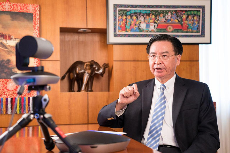 """Foreign Minister Jaushieh Joseph Wu discusses Taiwan-India ties during an interview with Geeta Mohan, host of the """"World Today,"""" broadcast Oct. 15 via India Today. (MOFA)"""