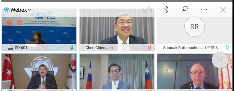 Academia Sinica Dr. Chen, Chien-jen and Representative of Taiwan to Thailand, Dr. Lee, Ying-yuan